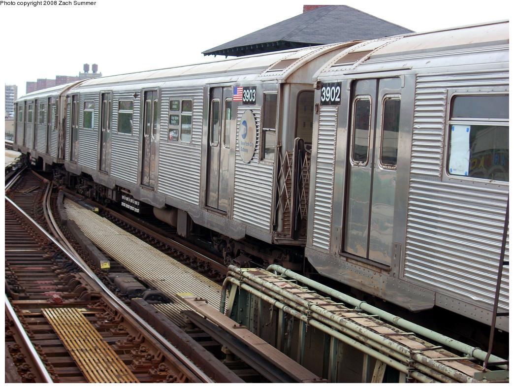 (329k, 1044x788)<br><b>Country:</b> United States<br><b>City:</b> New York<br><b>System:</b> New York City Transit<br><b>Line:</b> BMT Culver Line<br><b>Location:</b> Avenue X <br><b>Route:</b> F put-in<br><b>Car:</b> R-32 (Budd, 1964)  3903 <br><b>Photo by:</b> Zach Summer<br><b>Date:</b> 7/14/2008<br><b>Viewed (this week/total):</b> 0 / 1116