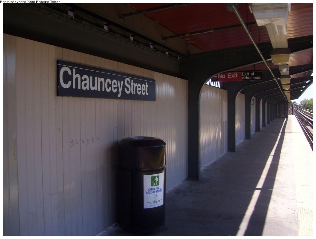 (144k, 1044x791)<br><b>Country:</b> United States<br><b>City:</b> New York<br><b>System:</b> New York City Transit<br><b>Line:</b> BMT Nassau Street/Jamaica Line<br><b>Location:</b> Chauncey Street <br><b>Photo by:</b> Roberto C. Tobar<br><b>Date:</b> 8/16/2008<br><b>Notes:</b> Platform view.<br><b>Viewed (this week/total):</b> 0 / 1205