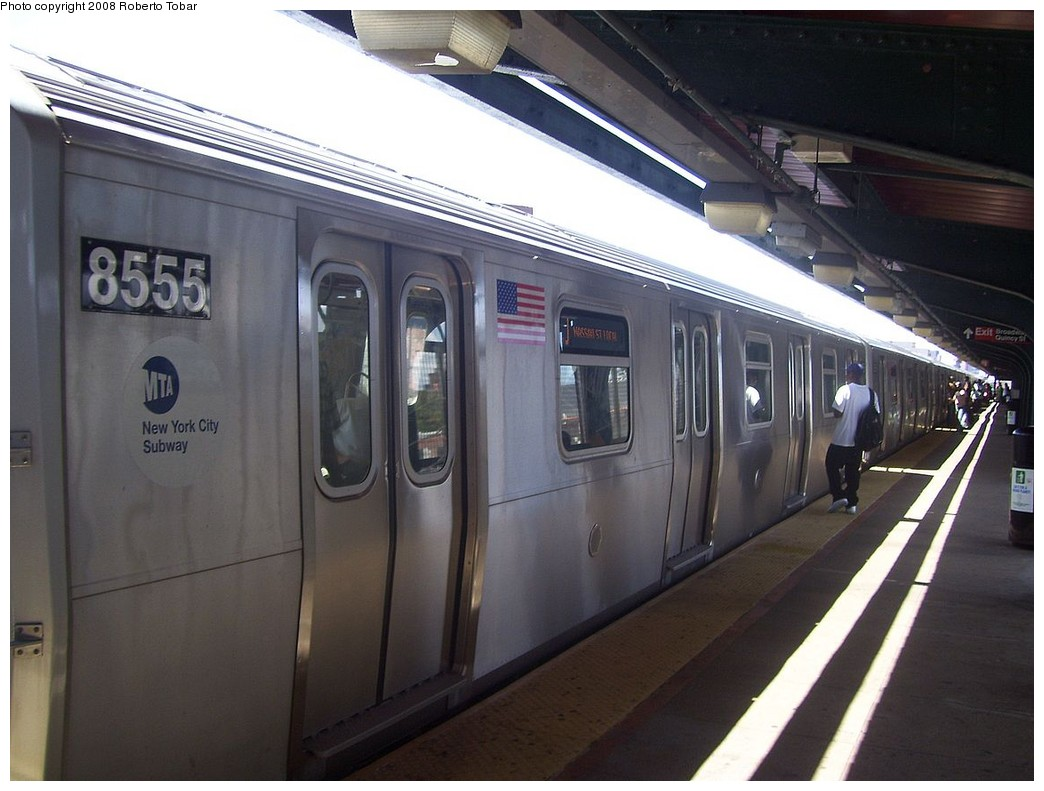 (186k, 1044x791)<br><b>Country:</b> United States<br><b>City:</b> New York<br><b>System:</b> New York City Transit<br><b>Line:</b> BMT Nassau Street/Jamaica Line<br><b>Location:</b> Gates Avenue <br><b>Route:</b> J<br><b>Car:</b> R-160A-1 (Alstom, 2005-2008, 4 car sets)  8555 <br><b>Photo by:</b> Roberto C. Tobar<br><b>Date:</b> 8/16/2008<br><b>Viewed (this week/total):</b> 0 / 2168