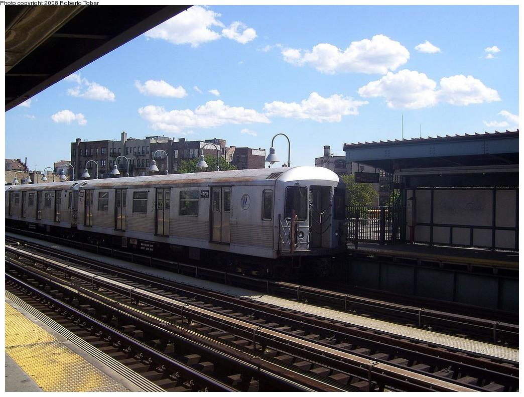 (240k, 1044x791)<br><b>Country:</b> United States<br><b>City:</b> New York<br><b>System:</b> New York City Transit<br><b>Line:</b> BMT Nassau Street/Jamaica Line<br><b>Location:</b> Marcy Avenue <br><b>Route:</b> J<br><b>Car:</b> R-42 (St. Louis, 1969-1970)  4834 <br><b>Photo by:</b> Roberto C. Tobar<br><b>Date:</b> 8/16/2008<br><b>Viewed (this week/total):</b> 0 / 1200