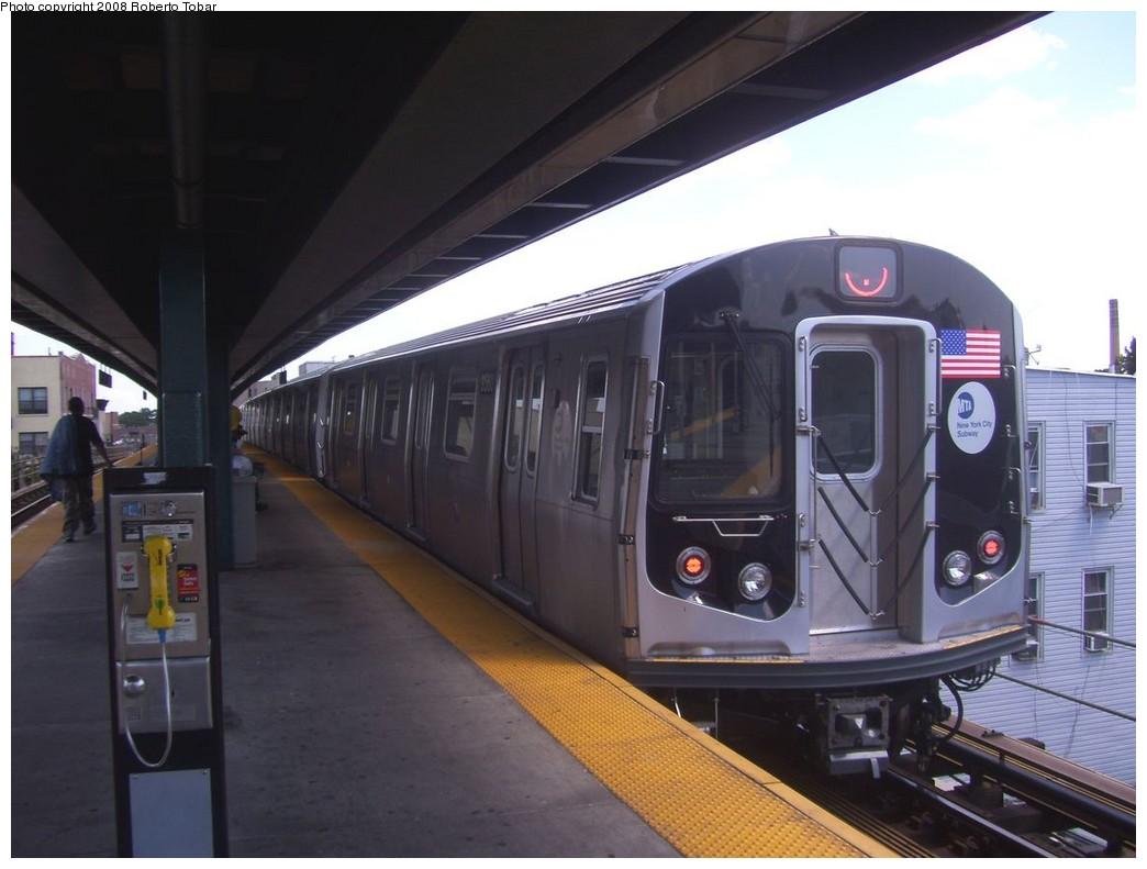 (167k, 1044x791)<br><b>Country:</b> United States<br><b>City:</b> New York<br><b>System:</b> New York City Transit<br><b>Line:</b> BMT Nassau Street/Jamaica Line<br><b>Location:</b> Van Siclen Avenue <br><b>Route:</b> J<br><b>Car:</b> R-160A-1 (Alstom, 2005-2008, 4 car sets)  8560 <br><b>Photo by:</b> Roberto C. Tobar<br><b>Date:</b> 8/16/2008<br><b>Viewed (this week/total):</b> 0 / 2057