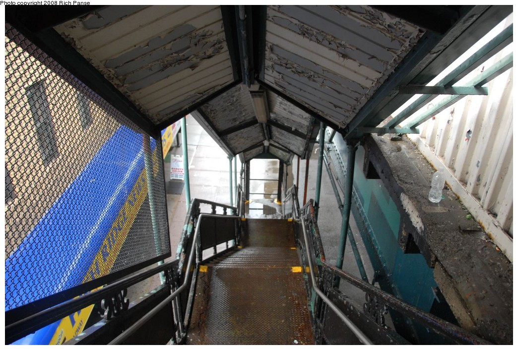 (261k, 1044x706)<br><b>Country:</b> United States<br><b>City:</b> New York<br><b>System:</b> New York City Transit<br><b>Line:</b> IRT West Side Line<br><b>Location:</b> 238th Street <br><b>Photo by:</b> Richard Panse<br><b>Date:</b> 8/2/2008<br><b>Notes:</b> Stairway to street.<br><b>Viewed (this week/total):</b> 0 / 1584
