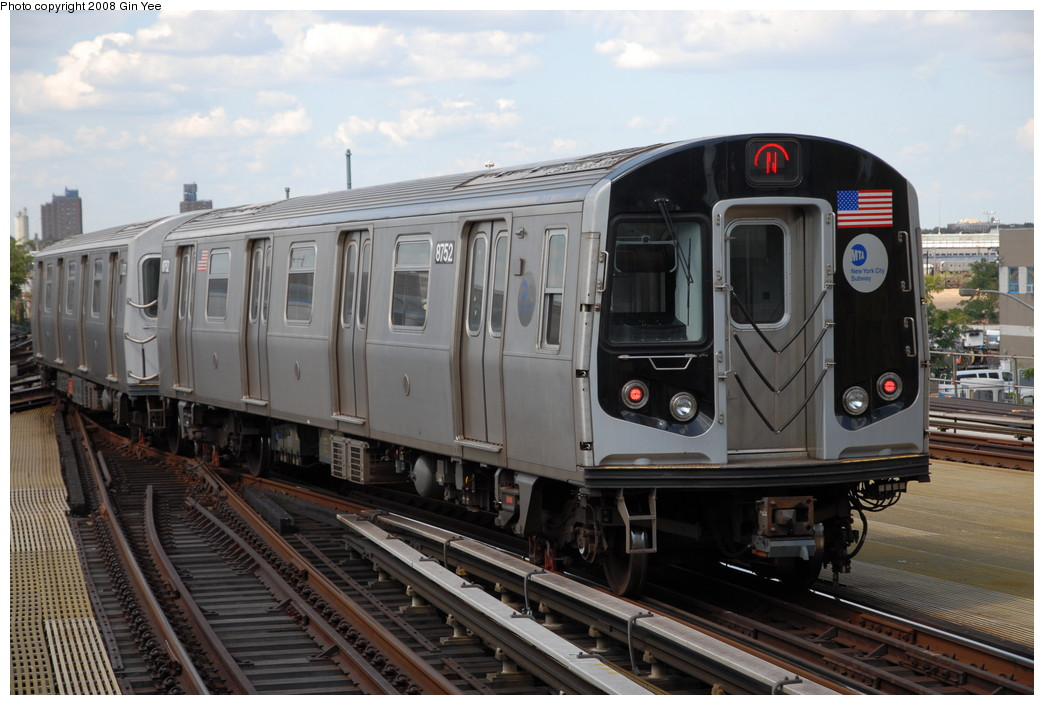 (218k, 1044x705)<br><b>Country:</b> United States<br><b>City:</b> New York<br><b>System:</b> New York City Transit<br><b>Location:</b> Coney Island/Stillwell Avenue<br><b>Route:</b> N<br><b>Car:</b> R-160B (Kawasaki, 2005-2008)  8752 <br><b>Photo by:</b> Gin Yee<br><b>Date:</b> 8/17/2008<br><b>Viewed (this week/total):</b> 4 / 1331