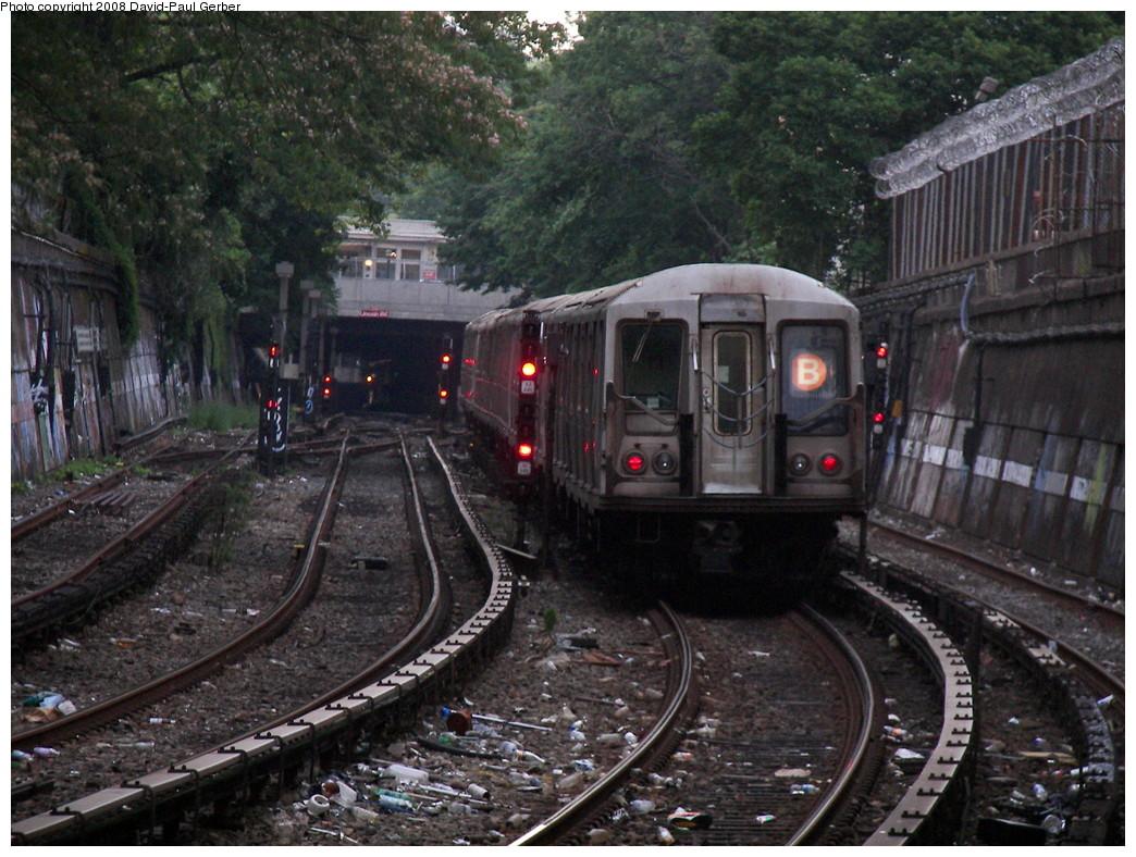 (314k, 1044x788)<br><b>Country:</b> United States<br><b>City:</b> New York<br><b>System:</b> New York City Transit<br><b>Line:</b> BMT Brighton Line<br><b>Location:</b> Parkside Avenue <br><b>Route:</b> B<br><b>Car:</b> R-40 (St. Louis, 1968)   <br><b>Photo by:</b> David-Paul Gerber<br><b>Date:</b> 6/27/2008<br><b>Viewed (this week/total):</b> 4 / 2020