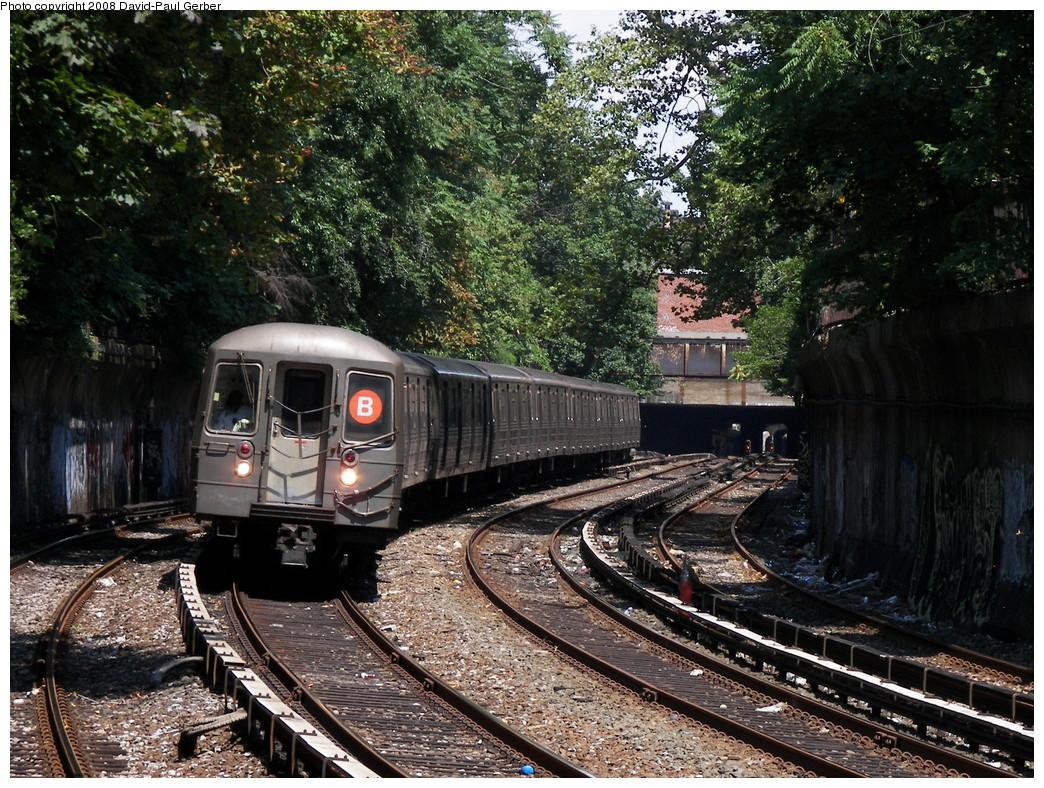 (402k, 1044x788)<br><b>Country:</b> United States<br><b>City:</b> New York<br><b>System:</b> New York City Transit<br><b>Line:</b> BMT Brighton Line<br><b>Location:</b> Beverley Road <br><b>Route:</b> B<br><b>Car:</b> R-68 (Westinghouse-Amrail, 1986-1988)  2910 <br><b>Photo by:</b> David-Paul Gerber<br><b>Date:</b> 8/18/2008<br><b>Viewed (this week/total):</b> 0 / 1590