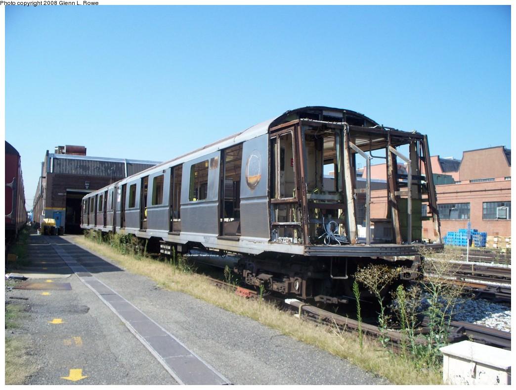(222k, 1044x788)<br><b>Country:</b> United States<br><b>City:</b> New York<br><b>System:</b> New York City Transit<br><b>Location:</b> 207th Street Yard<br><b>Car:</b> R-40 (St. Louis, 1968)  4191/4190 <br><b>Photo by:</b> Glenn L. Rowe<br><b>Date:</b> 8/18/2008<br><b>Notes:</b> Scrap<br><b>Viewed (this week/total):</b> 0 / 1645