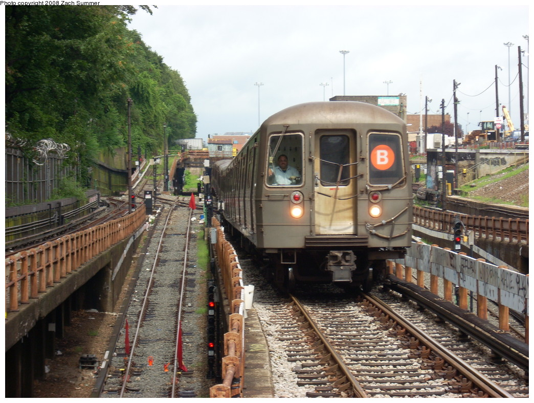 (295k, 1044x788)<br><b>Country:</b> United States<br><b>City:</b> New York<br><b>System:</b> New York City Transit<br><b>Line:</b> BMT West End Line<br><b>Location:</b> 9th Avenue <br><b>Route:</b> B reroute<br><b>Car:</b> R-68 (Westinghouse-Amrail, 1986-1988)   <br><b>Photo by:</b> Zach Summer<br><b>Date:</b> 7/24/2008<br><b>Viewed (this week/total):</b> 3 / 2293