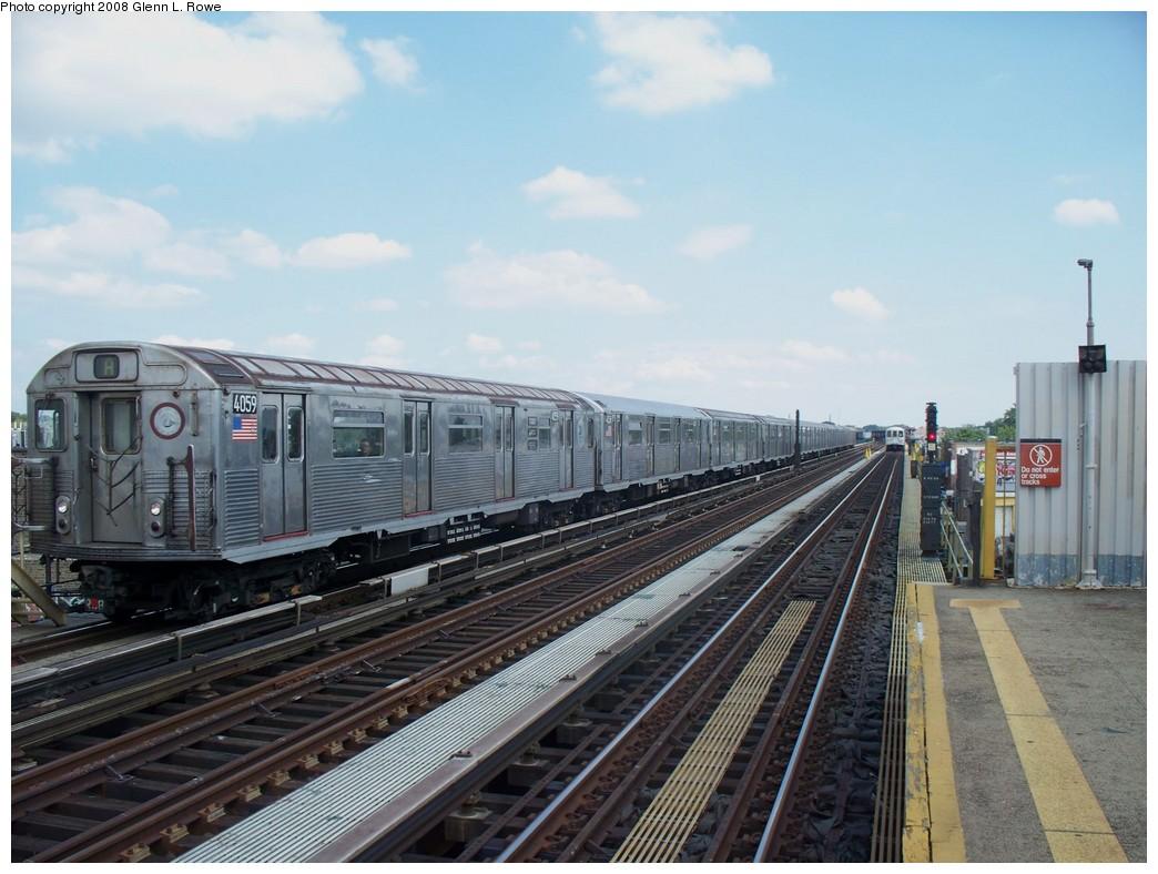 (205k, 1044x788)<br><b>Country:</b> United States<br><b>City:</b> New York<br><b>System:</b> New York City Transit<br><b>Line:</b> IND Fulton Street Line<br><b>Location:</b> 88th Street/Boyd Avenue <br><b>Route:</b> A<br><b>Car:</b> R-38 (St. Louis, 1966-1967)  4059 <br><b>Photo by:</b> Glenn L. Rowe<br><b>Date:</b> 8/19/2008<br><b>Viewed (this week/total):</b> 0 / 1474