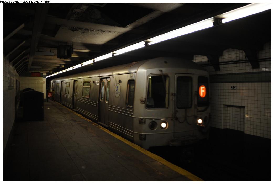 (178k, 1044x701)<br><b>Country:</b> United States<br><b>City:</b> New York<br><b>System:</b> New York City Transit<br><b>Line:</b> IND 6th Avenue Line<br><b>Location:</b> 23rd Street <br><b>Route:</b> F<br><b>Car:</b> R-46 (Pullman-Standard, 1974-75) 5722 <br><b>Photo by:</b> David Pirmann<br><b>Date:</b> 8/21/2008<br><b>Viewed (this week/total):</b> 1 / 1375