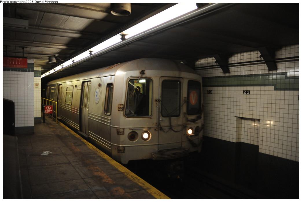 (210k, 1044x701)<br><b>Country:</b> United States<br><b>City:</b> New York<br><b>System:</b> New York City Transit<br><b>Line:</b> IND 6th Avenue Line<br><b>Location:</b> 23rd Street <br><b>Route:</b> F<br><b>Car:</b> R-46 (Pullman-Standard, 1974-75) 6004 <br><b>Photo by:</b> David Pirmann<br><b>Date:</b> 8/21/2008<br><b>Viewed (this week/total):</b> 1 / 1539