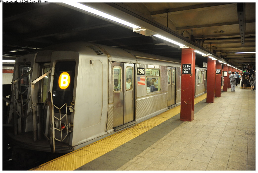 (240k, 1044x701)<br><b>Country:</b> United States<br><b>City:</b> New York<br><b>System:</b> New York City Transit<br><b>Line:</b> IND 6th Avenue Line<br><b>Location:</b> 42nd Street/Bryant Park <br><b>Route:</b> B<br><b>Car:</b> R-40 (St. Louis, 1968)  4287 <br><b>Photo by:</b> David Pirmann<br><b>Date:</b> 8/21/2008<br><b>Viewed (this week/total):</b> 0 / 1500