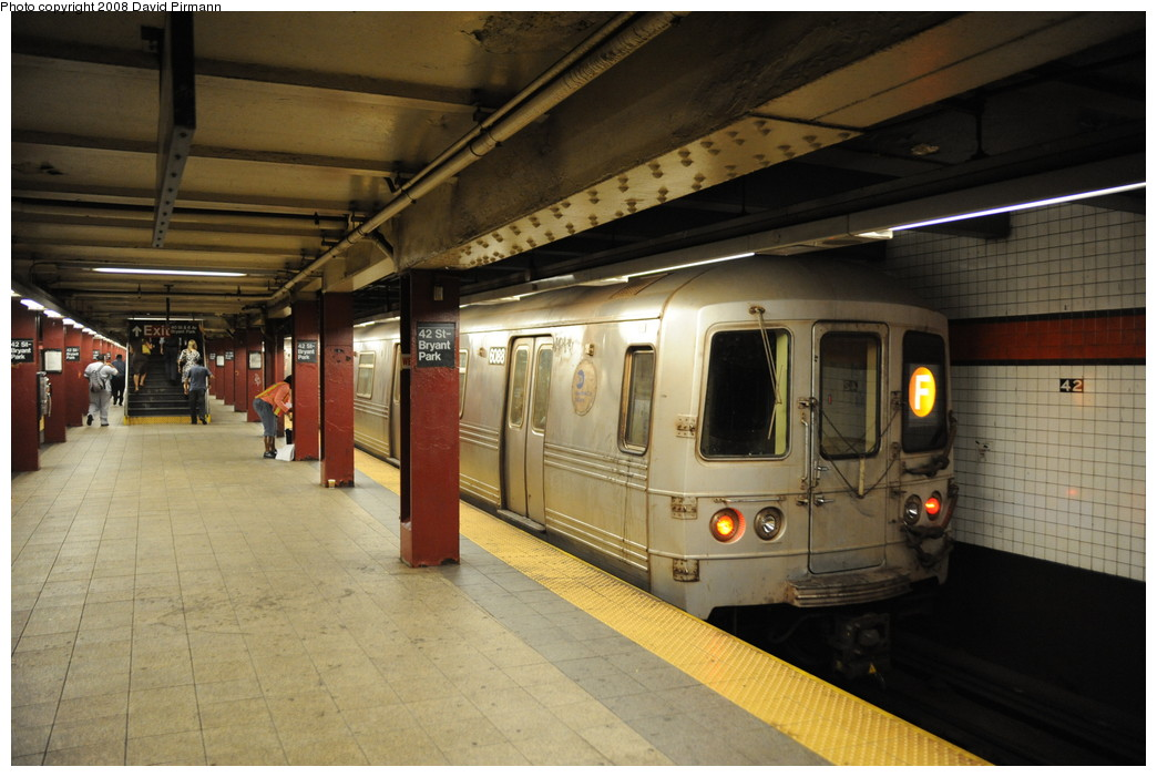(245k, 1044x701)<br><b>Country:</b> United States<br><b>City:</b> New York<br><b>System:</b> New York City Transit<br><b>Line:</b> IND 6th Avenue Line<br><b>Location:</b> 42nd Street/Bryant Park <br><b>Route:</b> F<br><b>Car:</b> R-46 (Pullman-Standard, 1974-75) 6088 <br><b>Photo by:</b> David Pirmann<br><b>Date:</b> 8/21/2008<br><b>Viewed (this week/total):</b> 1 / 1673