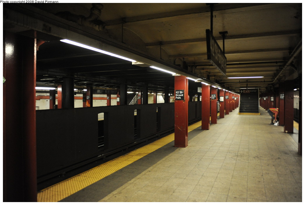 (208k, 1044x701)<br><b>Country:</b> United States<br><b>City:</b> New York<br><b>System:</b> New York City Transit<br><b>Line:</b> IND 6th Avenue Line<br><b>Location:</b> 42nd Street/Bryant Park <br><b>Photo by:</b> David Pirmann<br><b>Date:</b> 8/21/2008<br><b>Viewed (this week/total):</b> 5 / 1991
