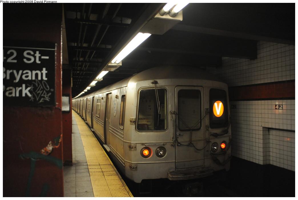 (198k, 1044x701)<br><b>Country:</b> United States<br><b>City:</b> New York<br><b>System:</b> New York City Transit<br><b>Line:</b> IND 6th Avenue Line<br><b>Location:</b> 42nd Street/Bryant Park <br><b>Route:</b> V<br><b>Car:</b> R-46 (Pullman-Standard, 1974-75) 5998 <br><b>Photo by:</b> David Pirmann<br><b>Date:</b> 8/21/2008<br><b>Viewed (this week/total):</b> 0 / 1542