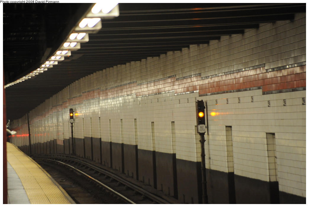 (215k, 1044x701)<br><b>Country:</b> United States<br><b>City:</b> New York<br><b>System:</b> New York City Transit<br><b>Line:</b> IND 6th Avenue Line<br><b>Location:</b> 42nd Street/Bryant Park <br><b>Photo by:</b> David Pirmann<br><b>Date:</b> 8/21/2008<br><b>Viewed (this week/total):</b> 0 / 1317