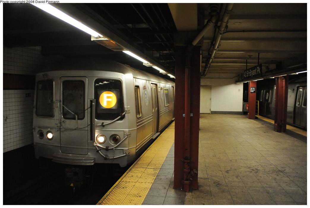 (213k, 1044x701)<br><b>Country:</b> United States<br><b>City:</b> New York<br><b>System:</b> New York City Transit<br><b>Line:</b> IND 6th Avenue Line<br><b>Location:</b> 42nd Street/Bryant Park <br><b>Route:</b> F<br><b>Car:</b> R-46 (Pullman-Standard, 1974-75) 5812 <br><b>Photo by:</b> David Pirmann<br><b>Date:</b> 8/21/2008<br><b>Viewed (this week/total):</b> 0 / 1598