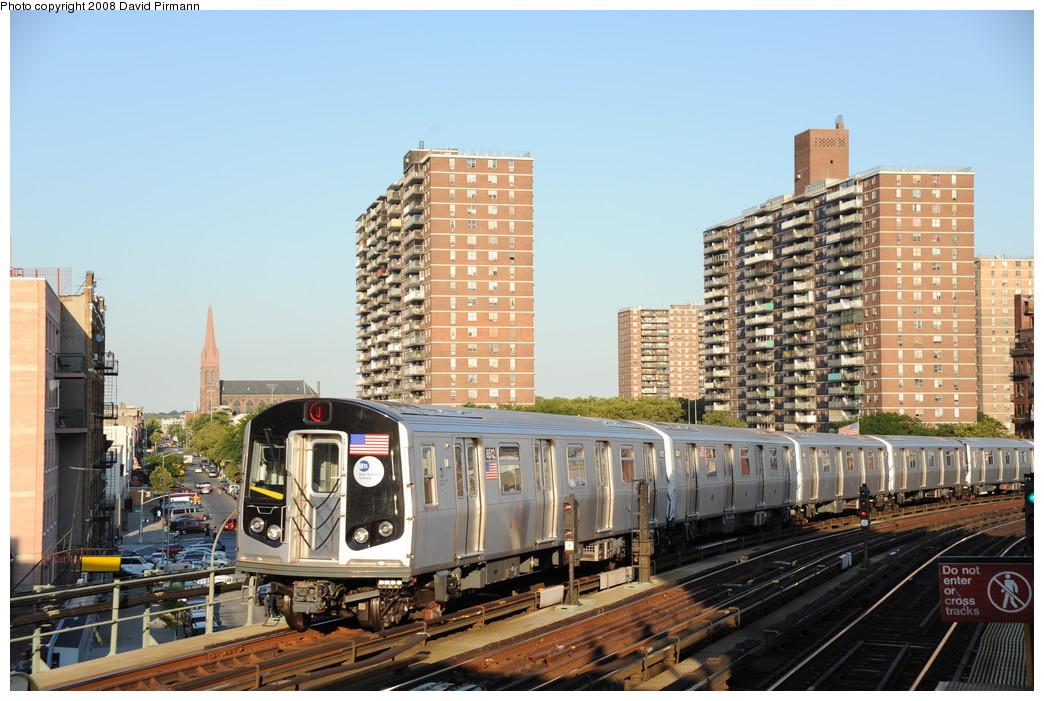 (280k, 1044x701)<br><b>Country:</b> United States<br><b>City:</b> New York<br><b>System:</b> New York City Transit<br><b>Line:</b> BMT Nassau Street/Jamaica Line<br><b>Location:</b> Hewes Street <br><b>Route:</b> J<br><b>Car:</b> R-160A-1 (Alstom, 2005-2008, 4 car sets)  8512 <br><b>Photo by:</b> David Pirmann<br><b>Date:</b> 8/21/2008<br><b>Viewed (this week/total):</b> 0 / 1249