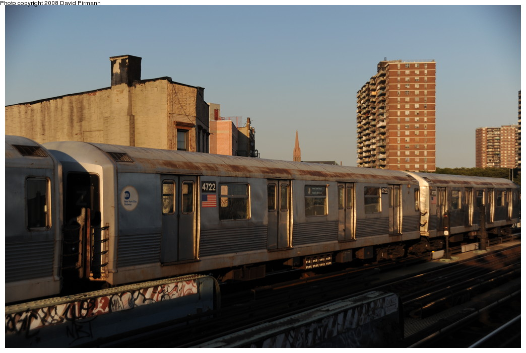 (215k, 1044x701)<br><b>Country:</b> United States<br><b>City:</b> New York<br><b>System:</b> New York City Transit<br><b>Line:</b> BMT Nassau Street/Jamaica Line<br><b>Location:</b> Hewes Street <br><b>Route:</b> J<br><b>Car:</b> R-42 (St. Louis, 1969-1970)  4722 <br><b>Photo by:</b> David Pirmann<br><b>Date:</b> 8/21/2008<br><b>Viewed (this week/total):</b> 0 / 891