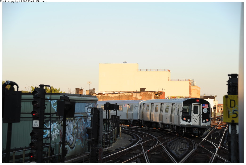 (186k, 1044x701)<br><b>Country:</b> United States<br><b>City:</b> New York<br><b>System:</b> New York City Transit<br><b>Line:</b> BMT Nassau Street/Jamaica Line<br><b>Location:</b> Myrtle Avenue <br><b>Route:</b> M<br><b>Car:</b> R-160A-1 (Alstom, 2005-2008, 4 car sets)  8473 <br><b>Photo by:</b> David Pirmann<br><b>Date:</b> 8/21/2008<br><b>Viewed (this week/total):</b> 0 / 1817