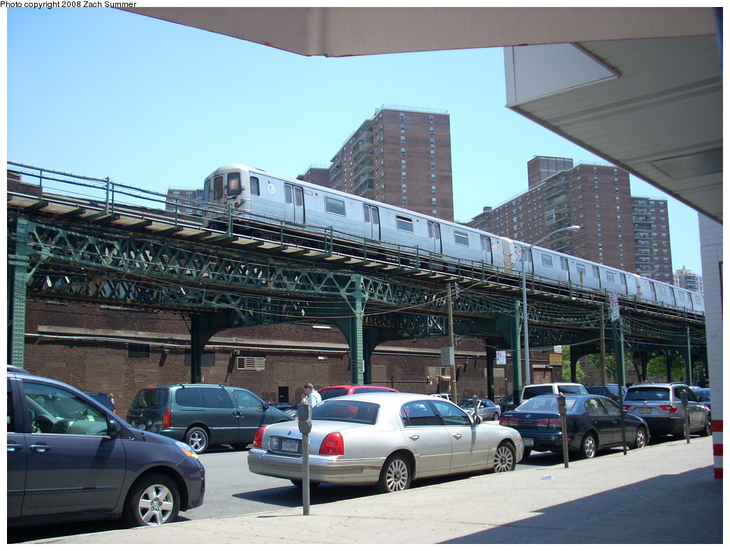 (275k, 1044x788)<br><b>Country:</b> United States<br><b>City:</b> New York<br><b>System:</b> New York City Transit<br><b>Line:</b> BMT Culver Line<br><b>Location:</b> Neptune Avenue <br><b>Route:</b> F<br><b>Car:</b> R-46 (Pullman-Standard, 1974-75) 5702 <br><b>Photo by:</b> Zach Summer<br><b>Date:</b> 7/15/2008<br><b>Viewed (this week/total):</b> 0 / 1890