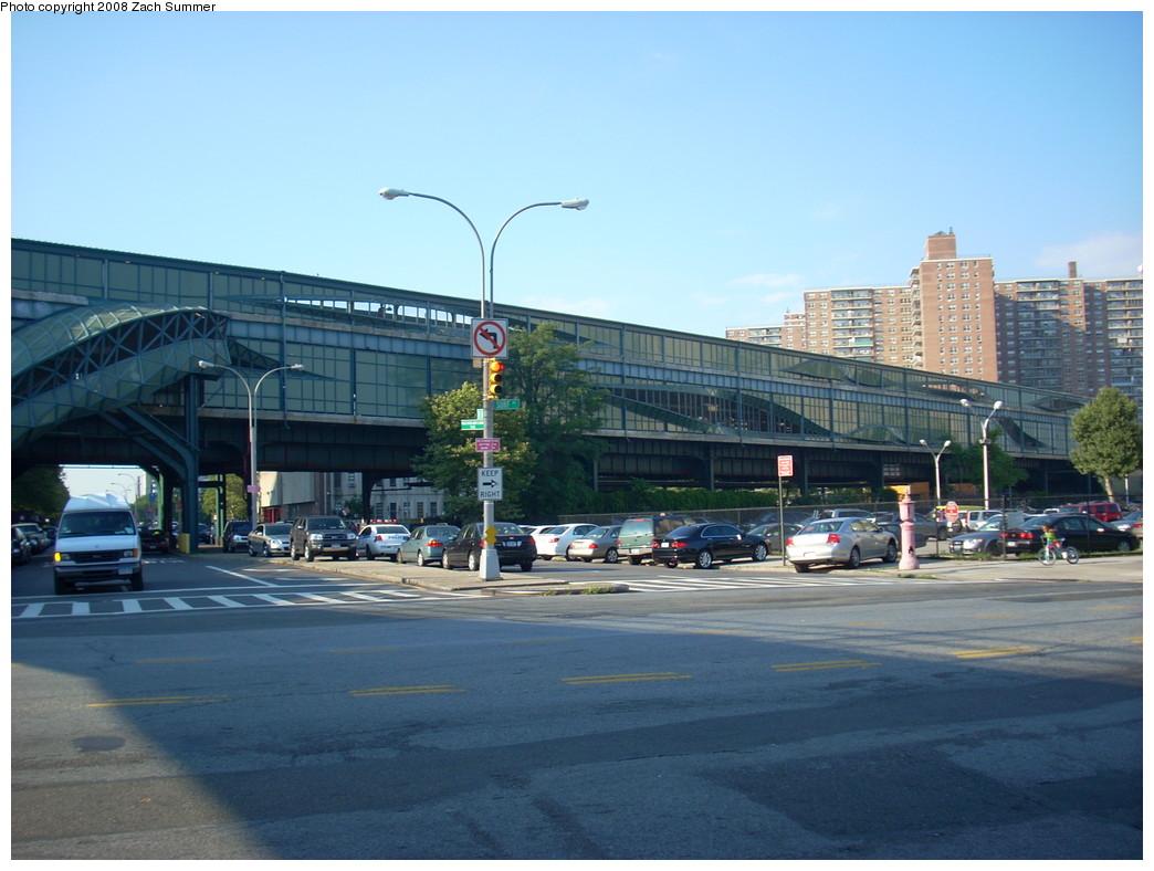 (231k, 1044x788)<br><b>Country:</b> United States<br><b>City:</b> New York<br><b>System:</b> New York City Transit<br><b>Line:</b> BMT Brighton Line<br><b>Location:</b> West 8th Street <br><b>Photo by:</b> Zach Summer<br><b>Date:</b> 7/15/2008<br><b>Notes:</b> Station view from street.<br><b>Viewed (this week/total):</b> 2 / 1167