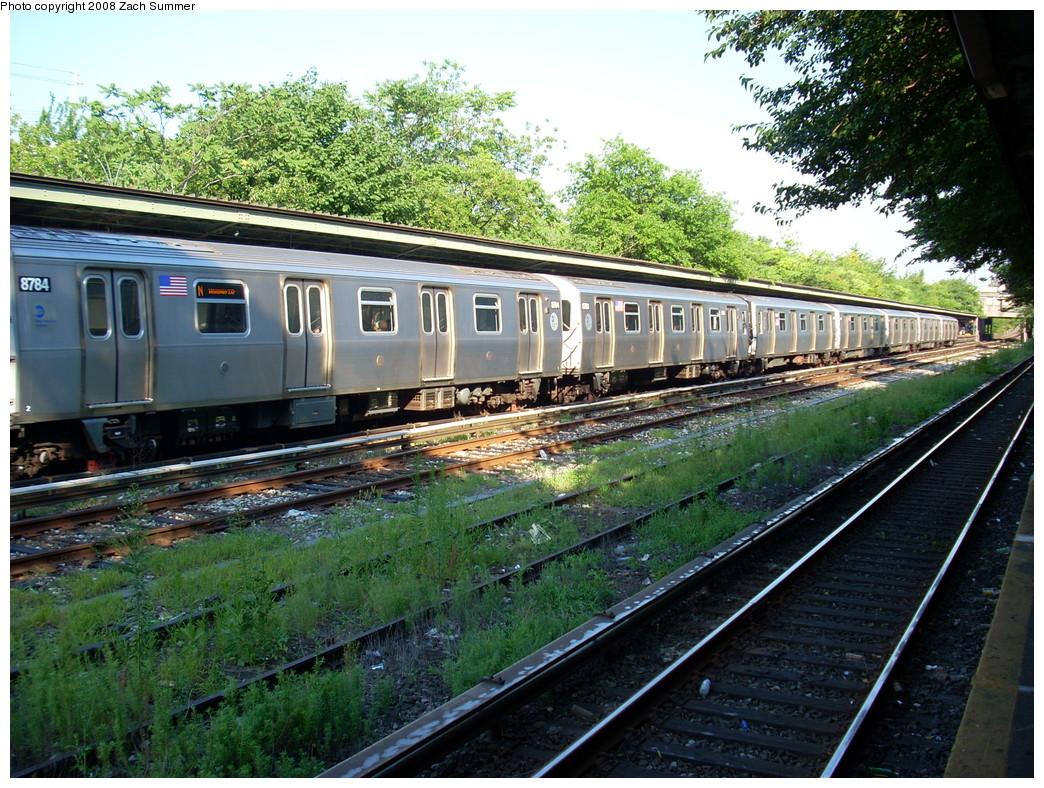 (357k, 1044x788)<br><b>Country:</b> United States<br><b>City:</b> New York<br><b>System:</b> New York City Transit<br><b>Line:</b> BMT Sea Beach Line<br><b>Location:</b> Fort Hamilton Parkway <br><b>Route:</b> N<br><b>Car:</b> R-160B (Kawasaki, 2005-2008)  8784 <br><b>Photo by:</b> Zach Summer<br><b>Date:</b> 7/16/2008<br><b>Viewed (this week/total):</b> 0 / 1537