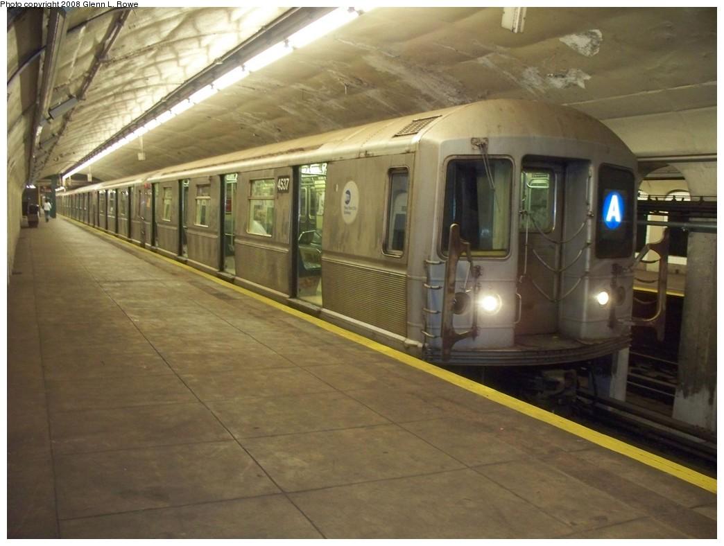 (188k, 1044x788)<br><b>Country:</b> United States<br><b>City:</b> New York<br><b>System:</b> New York City Transit<br><b>Line:</b> IND 8th Avenue Line<br><b>Location:</b> 190th Street/Overlook Terrace <br><b>Route:</b> A<br><b>Car:</b> R-40M (St. Louis, 1969)  4537 <br><b>Photo by:</b> Glenn L. Rowe<br><b>Date:</b> 8/22/2008<br><b>Viewed (this week/total):</b> 9 / 1337