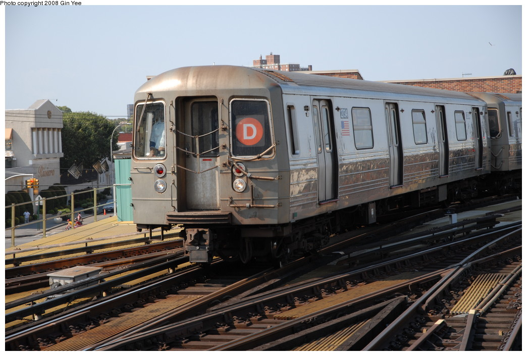 (237k, 1044x705)<br><b>Country:</b> United States<br><b>City:</b> New York<br><b>System:</b> New York City Transit<br><b>Location:</b> Coney Island/Stillwell Avenue<br><b>Route:</b> D<br><b>Car:</b> R-68 (Westinghouse-Amrail, 1986-1988)  2734 <br><b>Photo by:</b> Gin Yee<br><b>Date:</b> 8/24/2008<br><b>Viewed (this week/total):</b> 0 / 1422