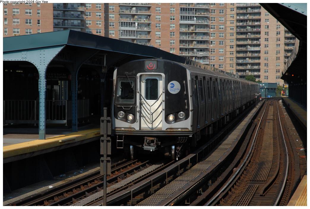 (256k, 1044x705)<br><b>Country:</b> United States<br><b>City:</b> New York<br><b>System:</b> New York City Transit<br><b>Line:</b> BMT Brighton Line<br><b>Location:</b> West 8th Street <br><b>Route:</b> Q<br><b>Car:</b> R-160B (Kawasaki, 2005-2008)  8772 <br><b>Photo by:</b> Gin Yee<br><b>Date:</b> 8/24/2008<br><b>Viewed (this week/total):</b> 0 / 1693