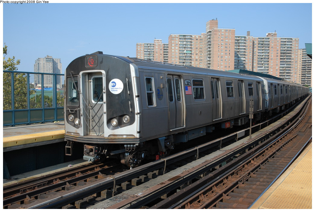 (259k, 1044x705)<br><b>Country:</b> United States<br><b>City:</b> New York<br><b>System:</b> New York City Transit<br><b>Line:</b> BMT Brighton Line<br><b>Location:</b> West 8th Street <br><b>Route:</b> Q<br><b>Car:</b> R-160B (Kawasaki, 2005-2008)  8772 <br><b>Photo by:</b> Gin Yee<br><b>Date:</b> 8/24/2008<br><b>Viewed (this week/total):</b> 1 / 1669