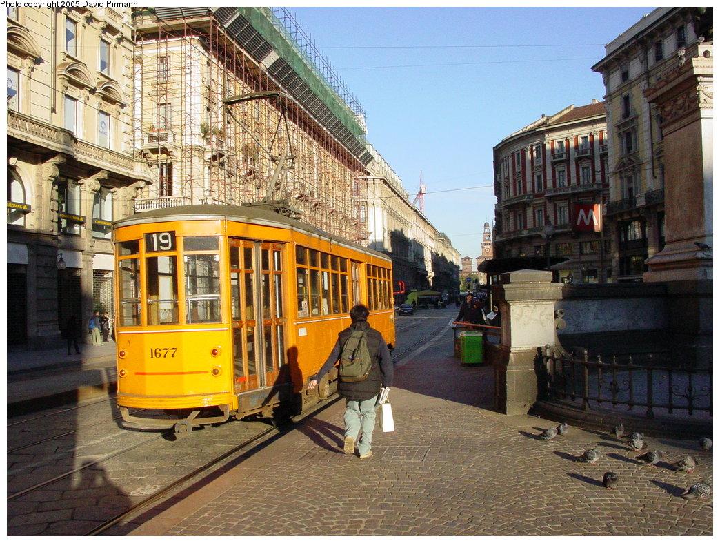 (254k, 1044x788)<br><b>Country:</b> Italy<br><b>City:</b> Milan<br><b>System:</b> Azienda Trasporti Milanesi (ATM)<br><b>Location:</b> Dante/Cordusio <br><b>Route:</b> 19<br><b>Car:</b> Milan Milano/Peter Witt (1927-1930)  1677 <br><b>Photo by:</b> David Pirmann<br><b>Date:</b> 9/26/2002<br><b>Viewed (this week/total):</b> 1 / 2062