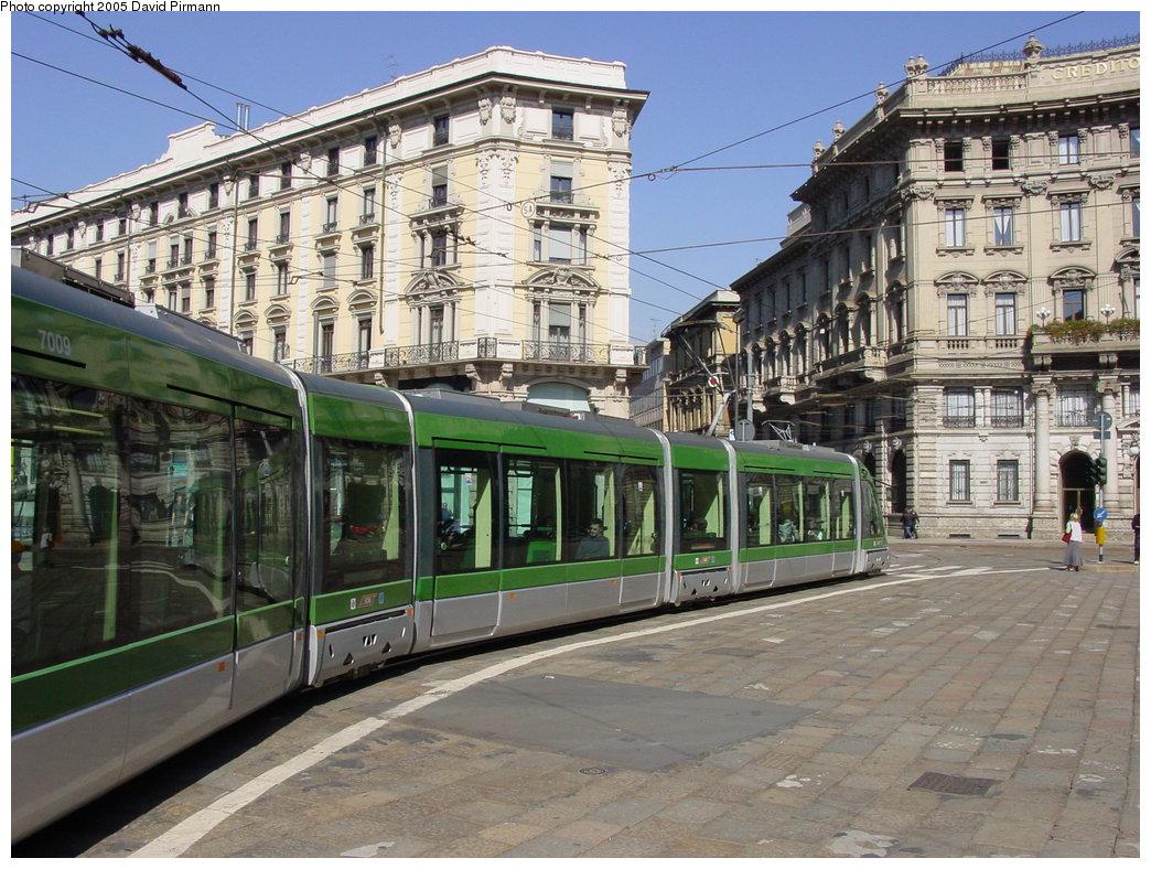 (224k, 1044x788)<br><b>Country:</b> Italy<br><b>City:</b> Milan<br><b>System:</b> Azienda Trasporti Milanesi (ATM)<br><b>Location:</b> Broletto/Cordusio <br><b>Route:</b> 14<br><b>Car:</b> Milan Eurotram (AdTranz/Bombardier, 1999-2002)  7009 <br><b>Photo by:</b> David Pirmann<br><b>Date:</b> 9/27/2002<br><b>Viewed (this week/total):</b> 0 / 1011