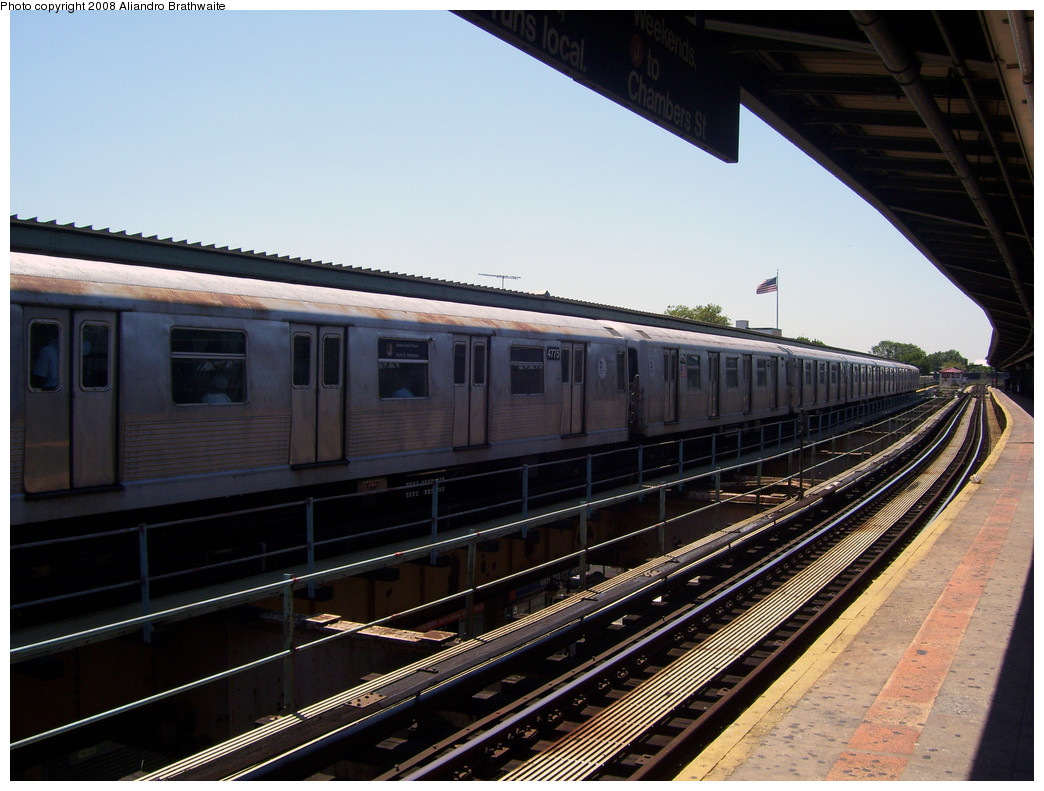 (256k, 1044x791)<br><b>Country:</b> United States<br><b>City:</b> New York<br><b>System:</b> New York City Transit<br><b>Line:</b> BMT Nassau Street/Jamaica Line<br><b>Location:</b> Woodhaven Boulevard <br><b>Route:</b> J<br><b>Car:</b> R-42 (St. Louis, 1969-1970)  4775 <br><b>Photo by:</b> Aliandro Brathwaite<br><b>Date:</b> 8/20/2008<br><b>Viewed (this week/total):</b> 2 / 1381