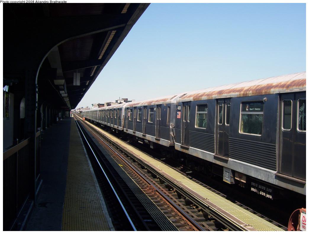 (243k, 1044x791)<br><b>Country:</b> United States<br><b>City:</b> New York<br><b>System:</b> New York City Transit<br><b>Line:</b> BMT Nassau Street/Jamaica Line<br><b>Location:</b> Halsey Street <br><b>Route:</b> Z layover<br><b>Car:</b> R-42 (St. Louis, 1969-1970)  4806 <br><b>Photo by:</b> Aliandro Brathwaite<br><b>Date:</b> 8/20/2008<br><b>Viewed (this week/total):</b> 0 / 1388