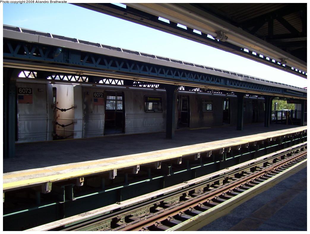 (247k, 1044x791)<br><b>Country:</b> United States<br><b>City:</b> New York<br><b>System:</b> New York City Transit<br><b>Line:</b> BMT Culver Line<br><b>Location:</b> Kings Highway <br><b>Route:</b> F<br><b>Car:</b> R-46 (Pullman-Standard, 1974-75) 6072 <br><b>Photo by:</b> Aliandro Brathwaite<br><b>Date:</b> 8/20/2008<br><b>Viewed (this week/total):</b> 0 / 1440