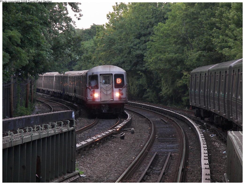 (332k, 1044x788)<br><b>Country:</b> United States<br><b>City:</b> New York<br><b>System:</b> New York City Transit<br><b>Line:</b> BMT Brighton Line<br><b>Location:</b> Sheepshead Bay <br><b>Route:</b> B<br><b>Car:</b> R-40M (St. Louis, 1969)  4527 <br><b>Photo by:</b> David-Paul Gerber<br><b>Date:</b> 7/3/2008<br><b>Viewed (this week/total):</b> 2 / 1417