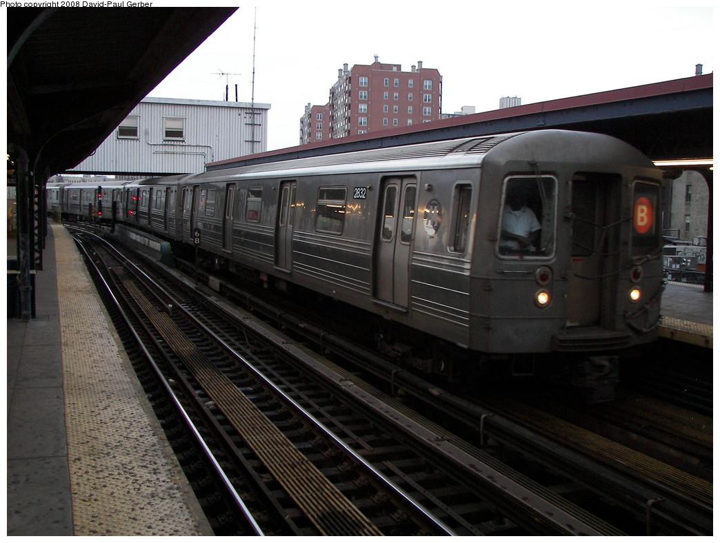 (261k, 1044x788)<br><b>Country:</b> United States<br><b>City:</b> New York<br><b>System:</b> New York City Transit<br><b>Line:</b> BMT Brighton Line<br><b>Location:</b> Brighton Beach <br><b>Route:</b> B<br><b>Car:</b> R-68 (Westinghouse-Amrail, 1986-1988)  2832 <br><b>Photo by:</b> David-Paul Gerber<br><b>Date:</b> 7/3/2008<br><b>Viewed (this week/total):</b> 0 / 1352