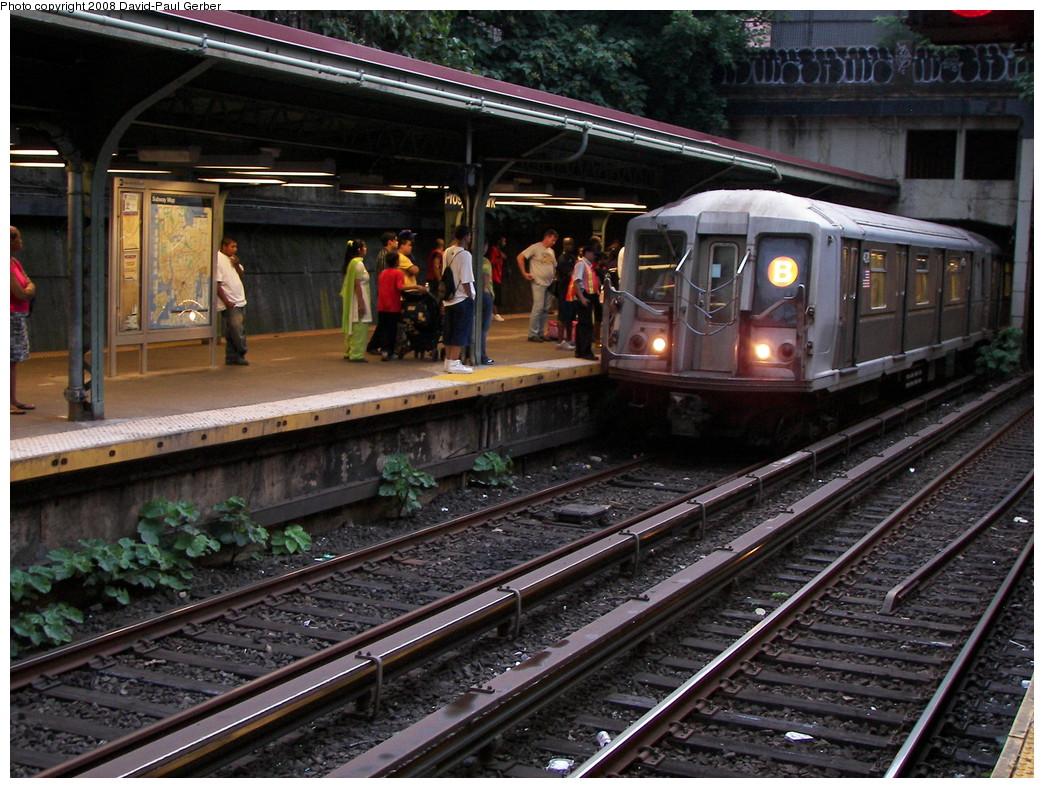 (322k, 1044x788)<br><b>Country:</b> United States<br><b>City:</b> New York<br><b>System:</b> New York City Transit<br><b>Line:</b> BMT Brighton Line<br><b>Location:</b> Prospect Park <br><b>Route:</b> B<br><b>Car:</b> R-40 (St. Louis, 1968)  4278 <br><b>Photo by:</b> David-Paul Gerber<br><b>Date:</b> 7/3/2008<br><b>Viewed (this week/total):</b> 2 / 2151