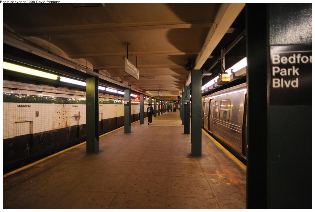 (227k, 1044x701)<br><b>Country:</b> United States<br><b>City:</b> New York<br><b>System:</b> New York City Transit<br><b>Line:</b> IND Concourse Line<br><b>Location:</b> Bedford Park Boulevard <br><b>Photo by:</b> David Pirmann<br><b>Date:</b> 8/27/2008<br><b>Viewed (this week/total):</b> 0 / 1403