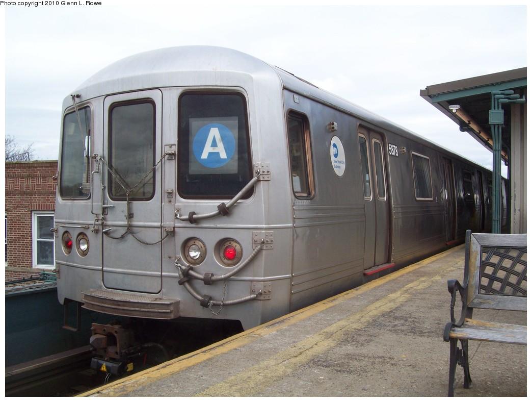 (197k, 1044x788)<br><b>Country:</b> United States<br><b>City:</b> New York<br><b>System:</b> New York City Transit<br><b>Line:</b> IND Fulton Street Line<br><b>Location:</b> Lefferts Boulevard <br><b>Route:</b> A<br><b>Car:</b> R-46 (Pullman-Standard, 1974-75) 5878 <br><b>Photo by:</b> Glenn L. Rowe<br><b>Date:</b> 3/31/2010<br><b>Viewed (this week/total):</b> 0 / 867