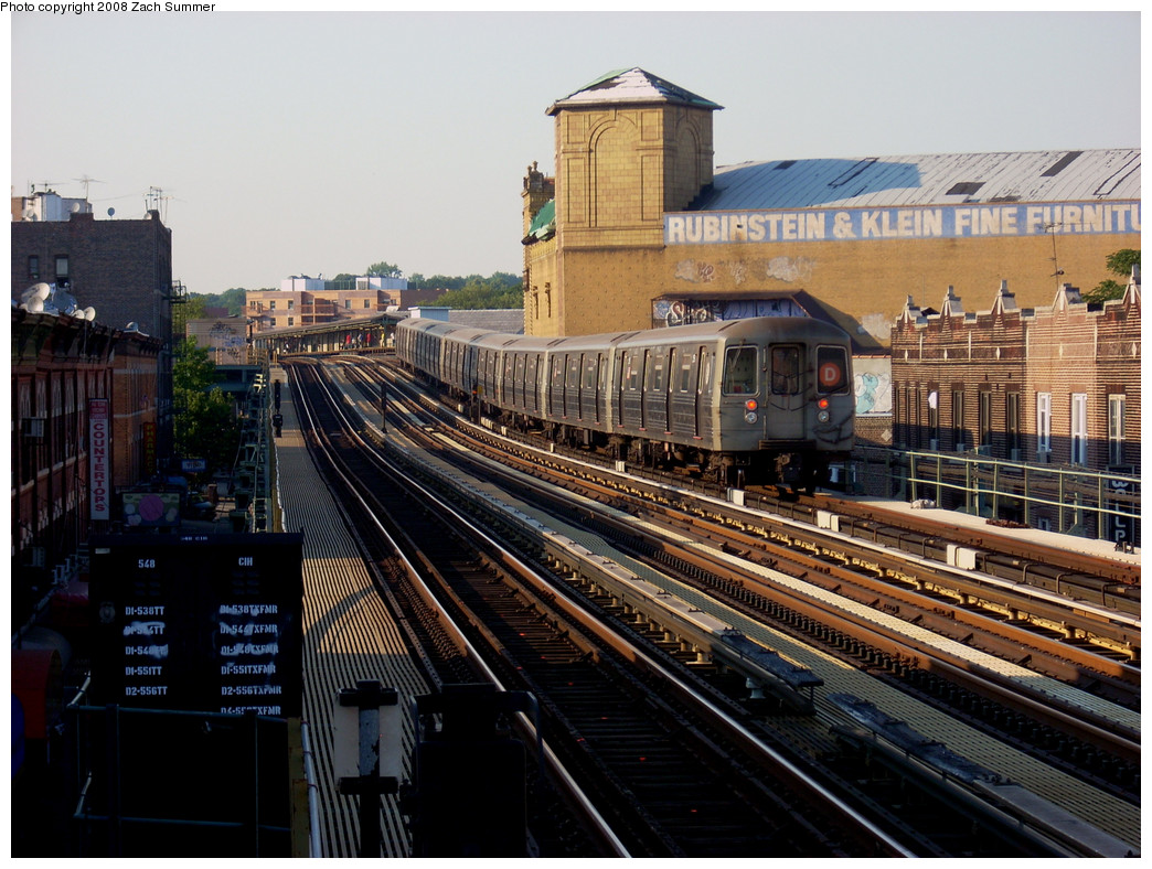 (301k, 1044x788)<br><b>Country:</b> United States<br><b>City:</b> New York<br><b>System:</b> New York City Transit<br><b>Line:</b> BMT West End Line<br><b>Location:</b> 50th Street <br><b>Route:</b> D<br><b>Car:</b> R-68 (Westinghouse-Amrail, 1986-1988)  2516 <br><b>Photo by:</b> Zach Summer<br><b>Date:</b> 7/16/2008<br><b>Viewed (this week/total):</b> 0 / 1241