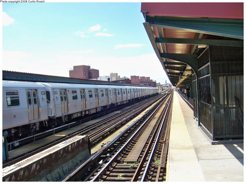 (245k, 1044x783)<br><b>Country:</b> United States<br><b>City:</b> New York<br><b>System:</b> New York City Transit<br><b>Line:</b> BMT Nassau Street/Jamaica Line<br><b>Location:</b> Lorimer Street <br><b>Route:</b> M<br><b>Car:</b> R-160A-1 (Alstom, 2005-2008, 4 car sets)  8338 <br><b>Photo by:</b> Curtis Roach<br><b>Date:</b> 8/8/2008<br><b>Viewed (this week/total):</b> 0 / 1707