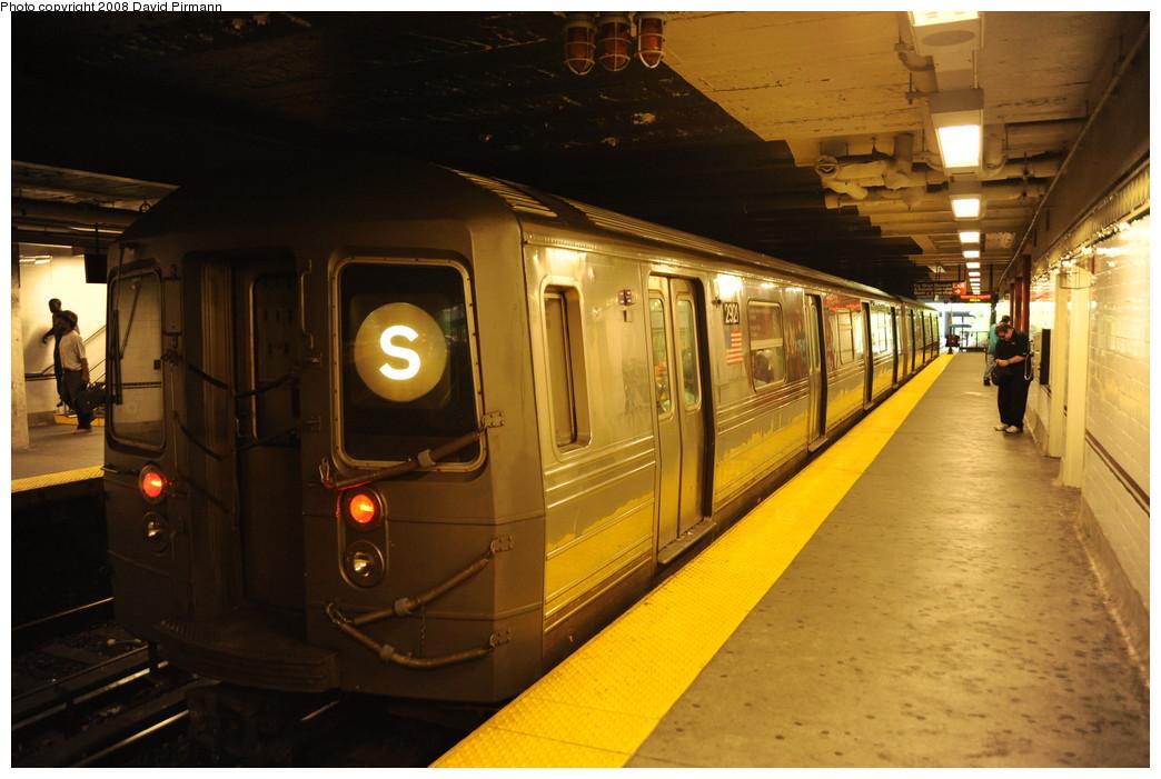 (243k, 1044x701)<br><b>Country:</b> United States<br><b>City:</b> New York<br><b>System:</b> New York City Transit<br><b>Line:</b> BMT Franklin<br><b>Location:</b> Botanic Garden <br><b>Route:</b> Franklin Shuttle<br><b>Car:</b> R-68 (Westinghouse-Amrail, 1986-1988)  2921 <br><b>Photo by:</b> David Pirmann<br><b>Date:</b> 8/27/2008<br><b>Viewed (this week/total):</b> 4 / 2550