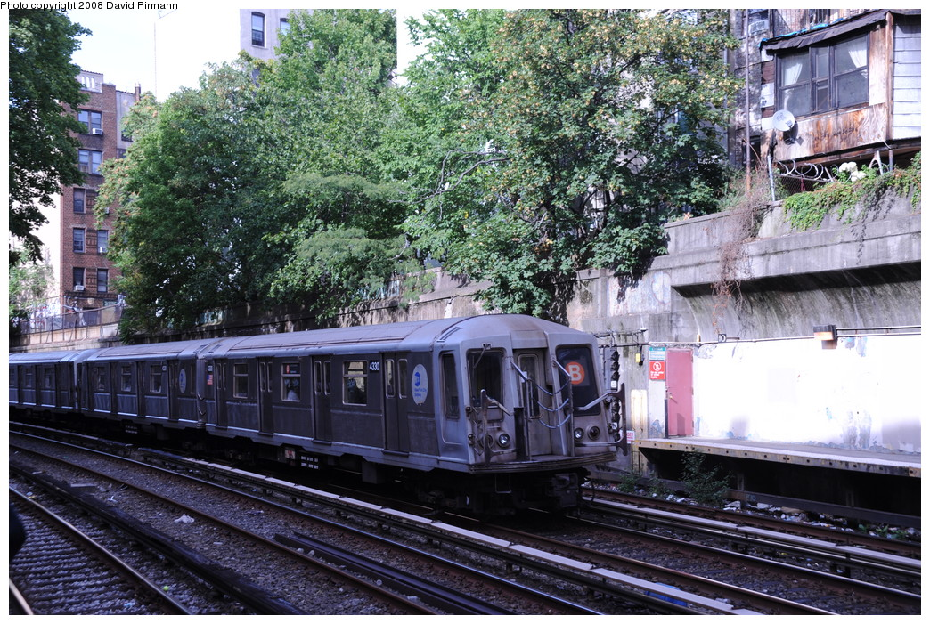 (377k, 1044x701)<br><b>Country:</b> United States<br><b>City:</b> New York<br><b>System:</b> New York City Transit<br><b>Line:</b> BMT Brighton Line<br><b>Location:</b> Parkside Avenue <br><b>Route:</b> B<br><b>Car:</b> R-40 (St. Louis, 1968)  4330 <br><b>Photo by:</b> David Pirmann<br><b>Date:</b> 8/27/2008<br><b>Viewed (this week/total):</b> 2 / 1632