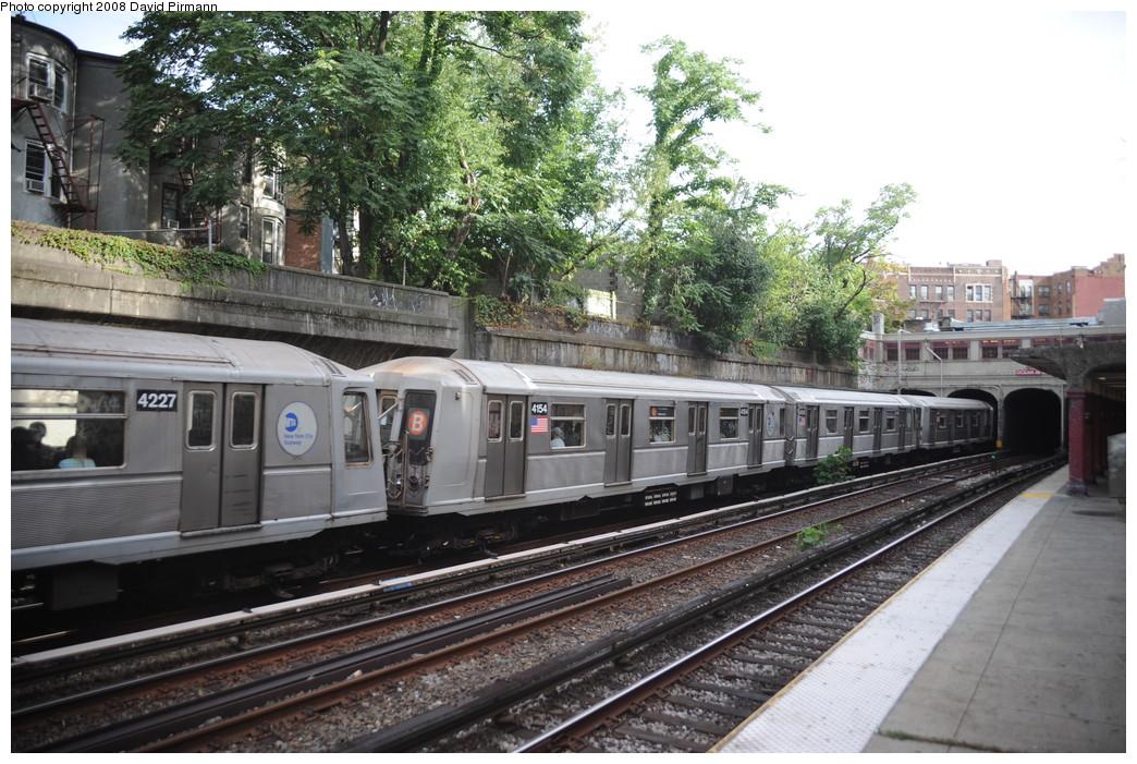 (308k, 1044x701)<br><b>Country:</b> United States<br><b>City:</b> New York<br><b>System:</b> New York City Transit<br><b>Line:</b> BMT Brighton Line<br><b>Location:</b> Parkside Avenue <br><b>Route:</b> B<br><b>Car:</b> R-40 (St. Louis, 1968)  4154 <br><b>Photo by:</b> David Pirmann<br><b>Date:</b> 8/27/2008<br><b>Viewed (this week/total):</b> 5 / 1669