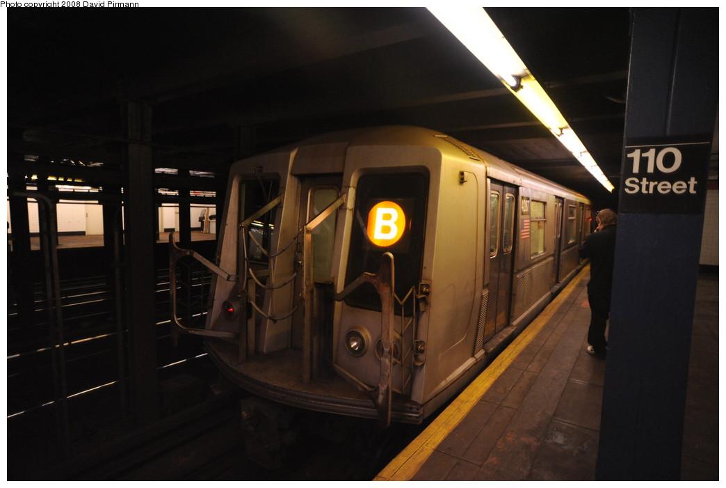 (197k, 1044x701)<br><b>Country:</b> United States<br><b>City:</b> New York<br><b>System:</b> New York City Transit<br><b>Line:</b> IND 8th Avenue Line<br><b>Location:</b> 110th Street/Cathedral Parkway <br><b>Route:</b> B<br><b>Car:</b> R-40 (St. Louis, 1968)  4287 <br><b>Photo by:</b> David Pirmann<br><b>Date:</b> 8/27/2008<br><b>Viewed (this week/total):</b> 2 / 2446