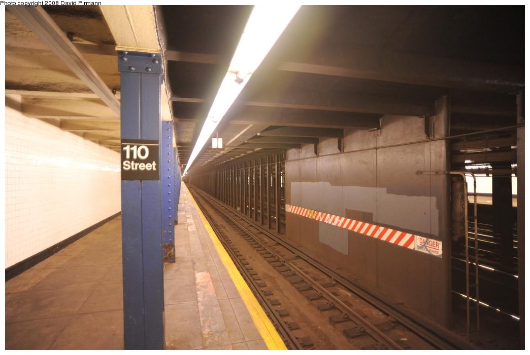 (221k, 1044x701)<br><b>Country:</b> United States<br><b>City:</b> New York<br><b>System:</b> New York City Transit<br><b>Line:</b> IND 8th Avenue Line<br><b>Location:</b> 110th Street/Cathedral Parkway <br><b>Photo by:</b> David Pirmann<br><b>Date:</b> 8/27/2008<br><b>Viewed (this week/total):</b> 0 / 2217