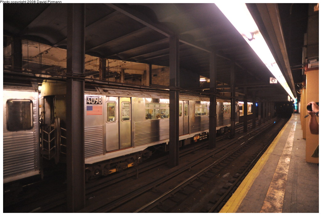 (232k, 1044x701)<br><b>Country:</b> United States<br><b>City:</b> New York<br><b>System:</b> New York City Transit<br><b>Line:</b> IND 8th Avenue Line<br><b>Location:</b> 145th Street <br><b>Route:</b> A<br><b>Car:</b> R-38 (St. Louis, 1966-1967)  4098 <br><b>Photo by:</b> David Pirmann<br><b>Date:</b> 8/27/2008<br><b>Viewed (this week/total):</b> 0 / 1925