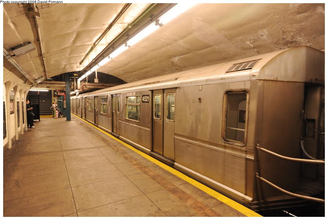 (257k, 1044x701)<br><b>Country:</b> United States<br><b>City:</b> New York<br><b>System:</b> New York City Transit<br><b>Line:</b> IND 8th Avenue Line<br><b>Location:</b> 190th Street/Overlook Terrace <br><b>Route:</b> A<br><b>Car:</b> R-40M (St. Louis, 1969)  4521 <br><b>Photo by:</b> David Pirmann<br><b>Date:</b> 8/27/2008<br><b>Viewed (this week/total):</b> 1 / 1605