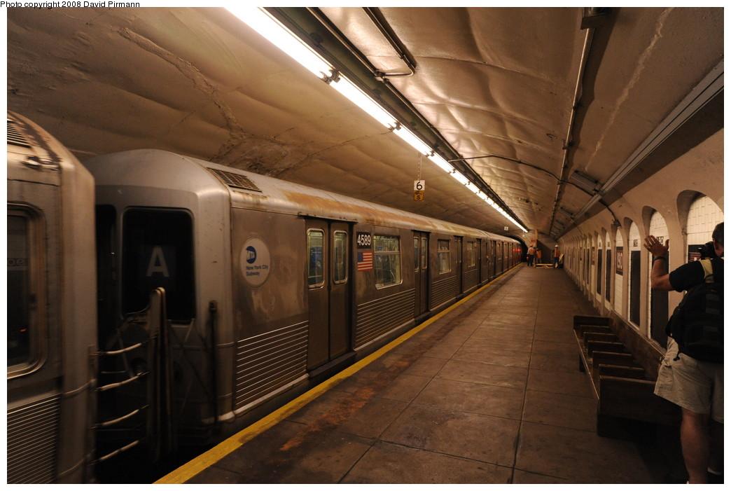 (242k, 1044x701)<br><b>Country:</b> United States<br><b>City:</b> New York<br><b>System:</b> New York City Transit<br><b>Line:</b> IND 8th Avenue Line<br><b>Location:</b> 190th Street/Overlook Terrace <br><b>Route:</b> A<br><b>Car:</b> R-42 (St. Louis, 1969-1970)  4589 <br><b>Photo by:</b> David Pirmann<br><b>Date:</b> 8/27/2008<br><b>Viewed (this week/total):</b> 1 / 1199